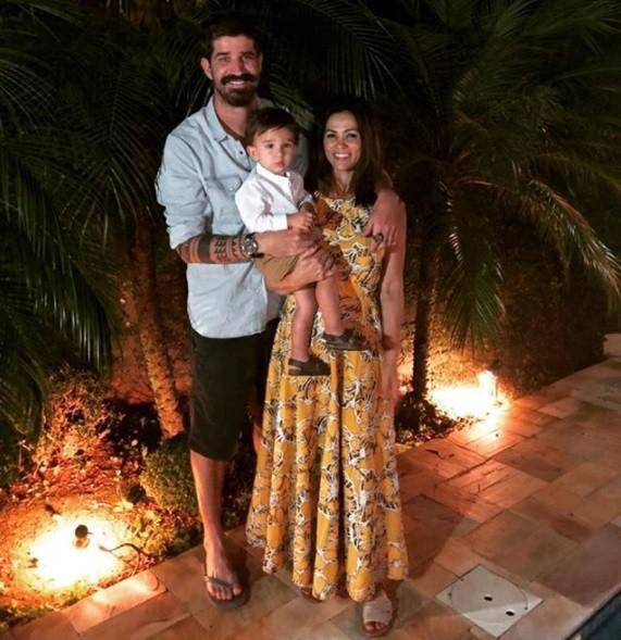Suzana Alves, o marido e o filho (Foto: Reprodução / Instagram)