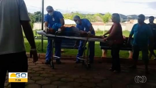 Paciente precisa ser socorrido às pressas após desmaiar na porta do Hutrin