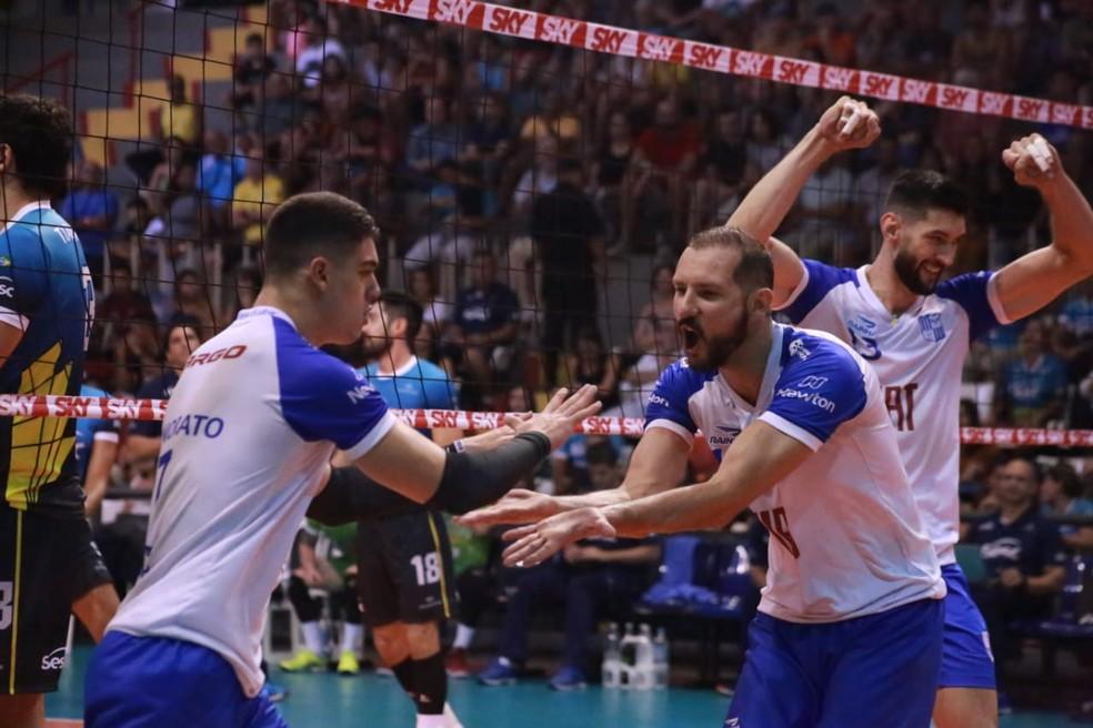 Minas teve bons momentos no jogo — Foto: Gisa Alves/Divulgação