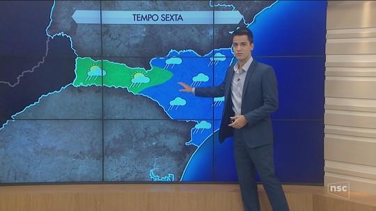 Sexta-feira nublada com abertura de sol e chance de chuva isolada em SC