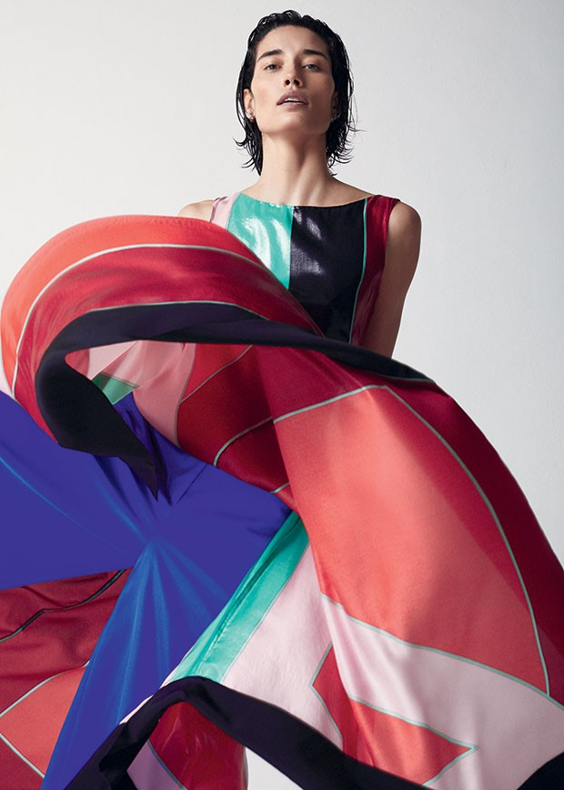 Inverno - Vestido Diane von Furstenberg,  R$ 2.980. Calça Emilio Pucci, R$ 4.200 (Foto: Josefina Bietti (GroupArt))