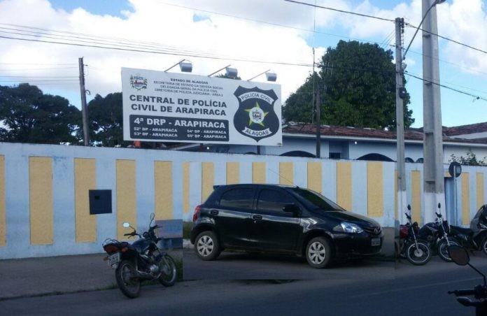 Polícia prende três suspeitos de furto a residência em Arapiraca, Alagoas