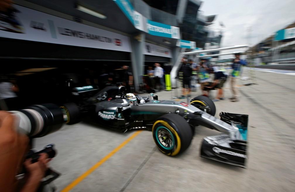 Lewis Hamilton durante o Grande Prêmio da Malásia, na Fórmula 1 — Foto: Edgar Su/Reuters
