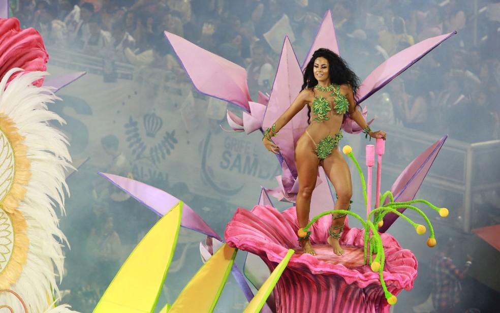 Nathany Pimonte brilha como Eva em desfile da Rosas de Ouro — Foto: Ardilhes Moreira/G1