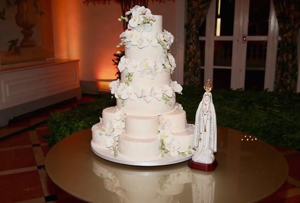 O bolo do casamento de Matheus e Paula (Foto: Manuela Scarpa/Brazil News)