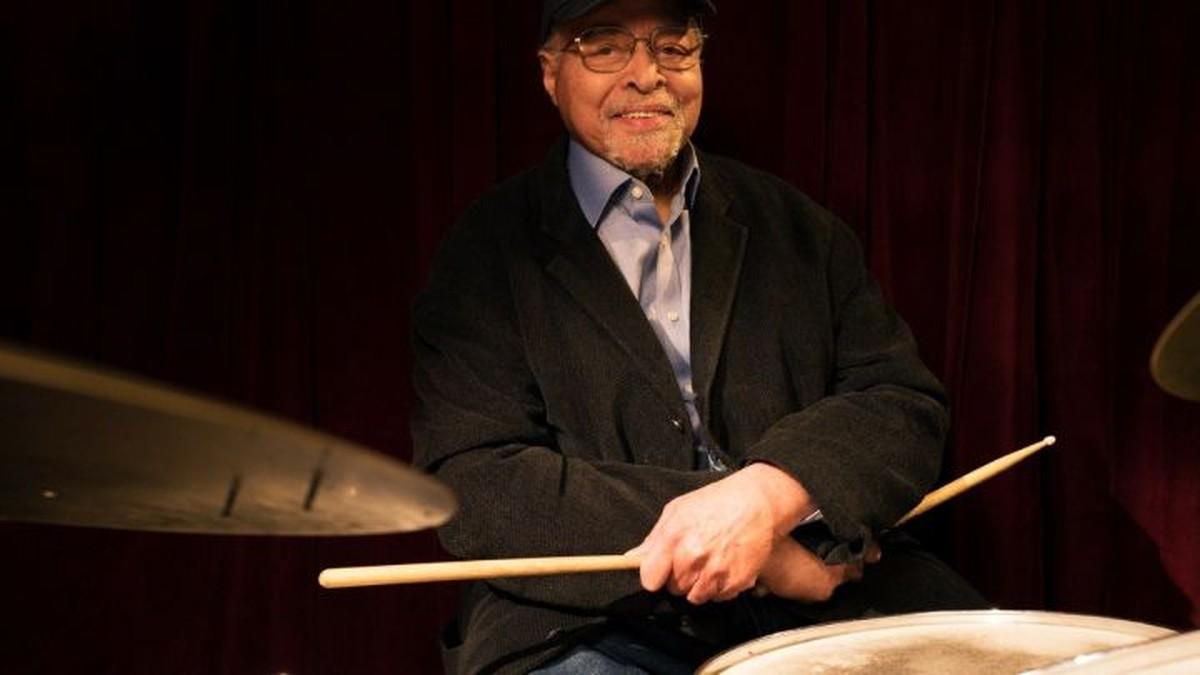 Jimmy Cobb, baterista do lendário álbum 'Kind of blue', de Miles Davis, morre aos 91 anos   Música
