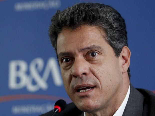 Roger Agnelli, ex-presidente da Vale, fala durante entrevista coletiva em Belo Horizonte, em fevereiro de 2013 (Foto: Washington Alves/Reuters/Arquivo)