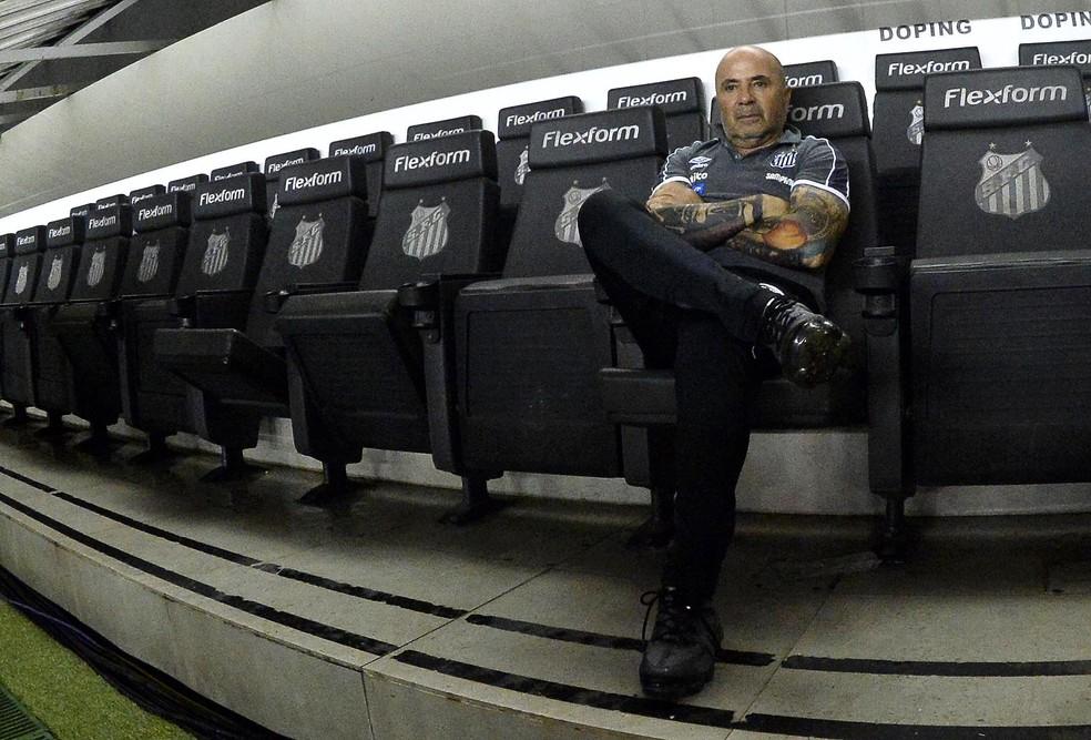 Jorge Sampaoli terminou o ano sem título, mas novamente valorizado no futebol brasileiro. O Atlético-MG negocia com ele — Foto: Marcos Ribolli