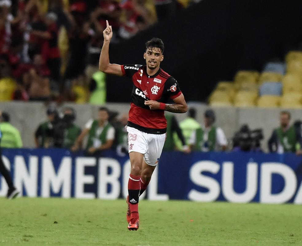 O atual técnico tem dado atenção especial a alguns jogadores, como Lucas Paquetá  (Foto: André Durão)