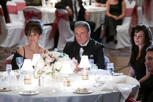 John Travolta e Kelly Preston em Gotti  (Foto: Divulgação)