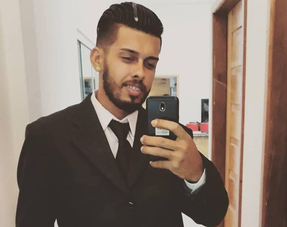 Jairo Azevedo de Souza, de 23 anos, foi morto com um tiro na cabeça em Rio Branco — Foto: Arquivo pessoal
