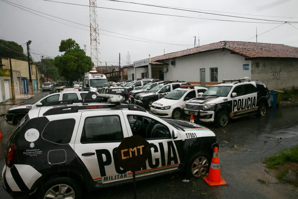 Batalhões continuam fechados no 9º dia de paralisação no Ceará — Foto: Camila Lima