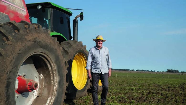 Carlos Simonetti, produtor que começou com 150 hectares e ampliou área para atuais 3 mil hectares de lavouras na fronteira oeste gaúcha (Foto: Fernando Martinho)