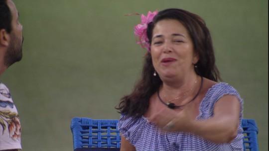 Tereza dispara para Vinicius: 'O Brasil sabe que você vai me dar uma escultura'