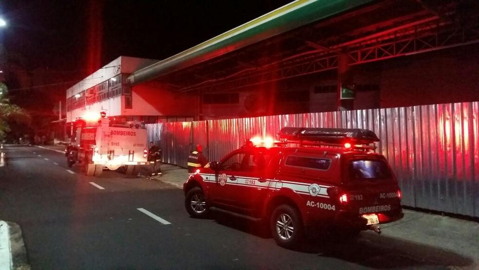 Outro incêndio foi registrado em um posto de combustíveis na Avenida Rio Branco (Foto: Arquivo pessoal)