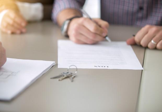 imóvel - documentação - assinatura - contrato - compra - venda (Foto: Thinkstock)
