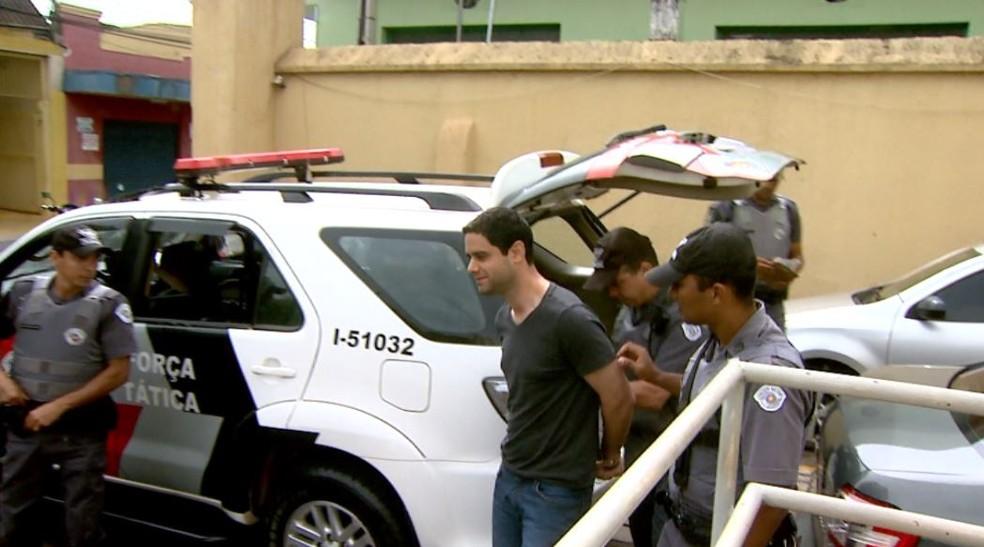 Fernando Gonçalves de Oliveira, funcionário da Seleta, foi preso em Ribeirão Preto (Foto: Reprodução/EPTV)