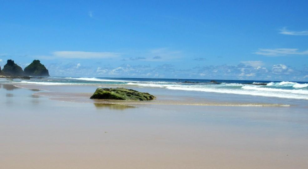 Praia do Boldró está entre as que vai ser reaberta para moradores de Noronha — Foto: Ana Clara Marinho/TV Globo