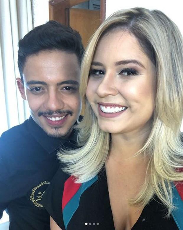 Marília Mendonça e o seu cabeleireiro  (Foto: Reprodução/Instagram)
