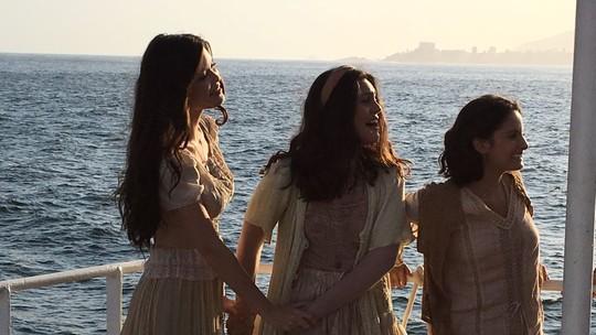 'Tempo de Amar': elenco grava cenas da novela das 6 em alto-mar