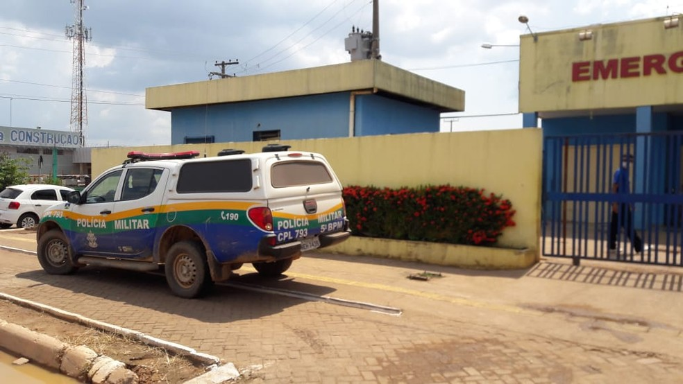 Vítimas são atendidas na UPA da Zona Leste — Foto: Lívia Costa/G1