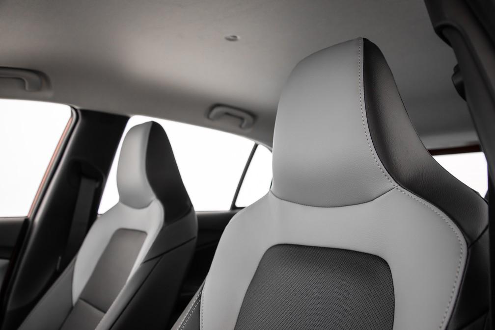Front seats have built-in backrest, economy sign, but with good visual result - Foto: Divulgação / Chevrolet