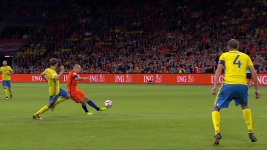 Fora da Copa do Mundo, Robben anuncia aposentadoria da seleção holandesa