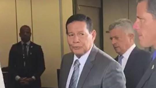 Mourão afirma que 'por enquanto' não é a favor de privatizar Correios