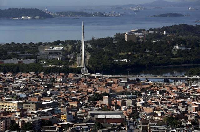 Os planos de Crivella para o complexo de favelas da Maré