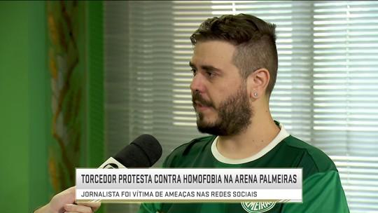 Torcedor do Palmeiras protesta contra homofobia nos estádios