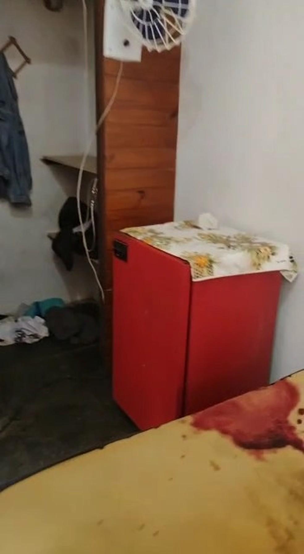 Crime ocorreu em um quarto de pousada em Itanhaém, SP, onde os dois homens faziam o uso de cocaína — Foto: Divulgação/Polícia Civil