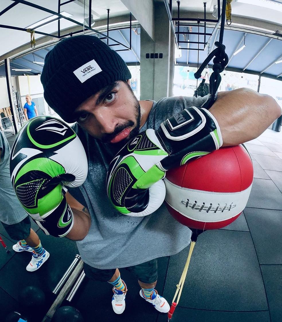 Caio Castro tem treinado pesado para interpretar lutador de boxe em 'A Dona do Pedaço' — Foto: Reprodução/Instagram