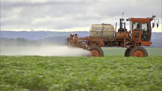 Governo aprova registro de mais 51 agrotóxicos, totalizando 262 no ano
