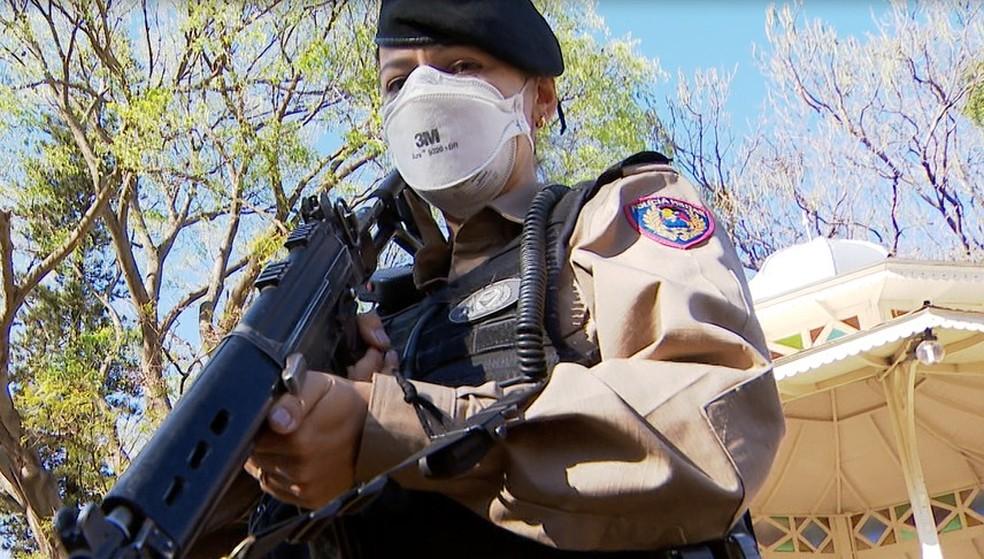 Tenente Luciene Alves Junqueira, da Polícia Militar de Uberlândia — Foto: Reprodução/ TV Integração