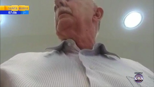 Após sessão ter sido suspensa, vereadores analisam pedido de cassação de prefeito suspeito de assédio sexual no RS