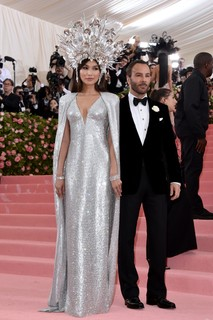 Tom Ford e Gemma Chan
