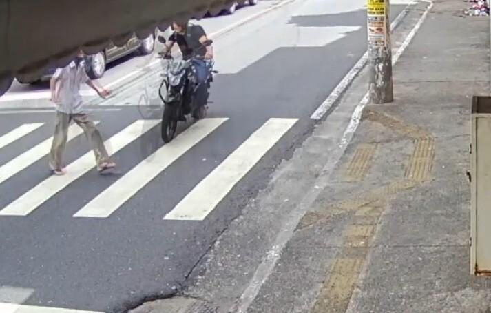 'Foi um homem surpreendente', diz neta idoso de 92 anos que morreu após ser atropelado na faixa de pedestres de Salvador