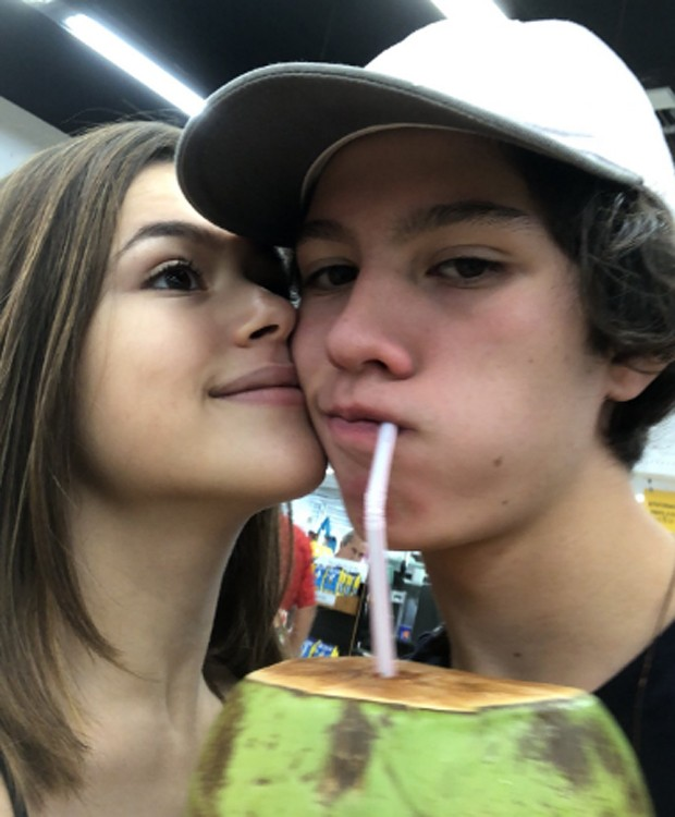 Maisa Silva e o namorado, Nicholas Arashiro (Foto: Reprodução/Twitter)
