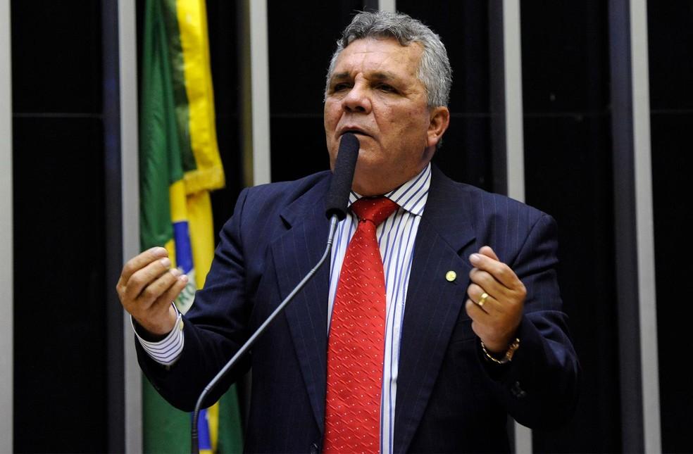 O deputado federal Alberto Fraga (DEM-DF), durante discurso em março deste ano na Câmara (Foto: Luis Macedo/Câmara dos Deputados)