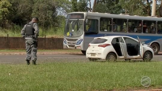 Veículos apreendidos após perseguição em MS seriam levados para Bolívia e 7 são presos
