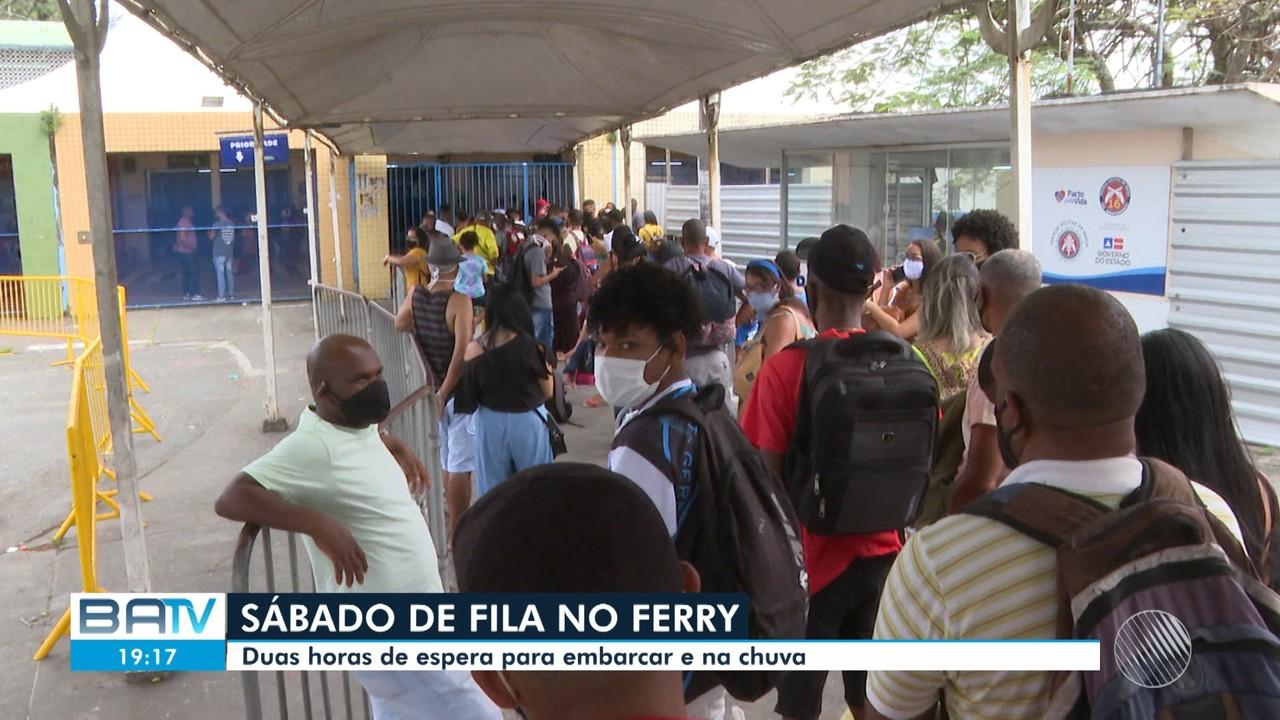 Terminal de São Joaquim tem movimento intenso por causa do feriado prolongado