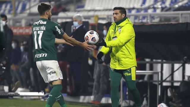 Viña e Abel Ferreira em Universidad Católica x Palmeiras
