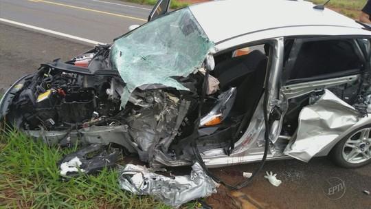 Padre fica ferido em acidente com ônibus de turismo em São Sebastião do Paraíso
