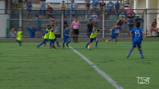 Crianças mostram seu talento no futebol no Maranhão