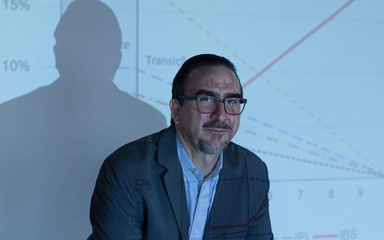 Bernard Appy em seu escritório em São Paulo. Uma receita de reforma tributária que agrada a todo tipo de freguês (Foto: EDILSON DANTAS/AGÊNCIA O GLOBO)