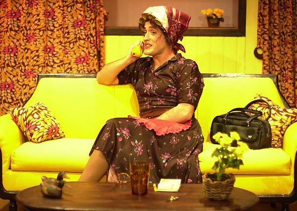 Paulo Gustavo na pele de Dona Hermínia, de 'Minha mãe é uma peça'
