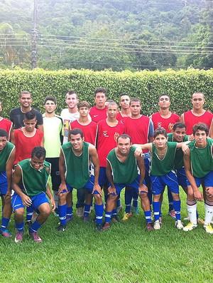 Paulo Victor e Rômulo ajudam jovens a seguir o caminho do bem no futebol