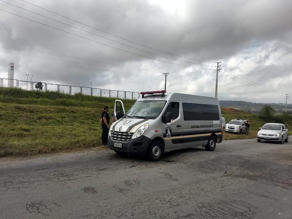 Preso é resgatado de carro do sistema penitenciário na Zona da Mata de Pernambuco