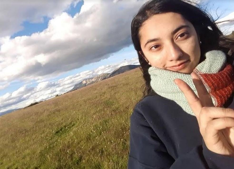 A chilena Karina Constanza Bobadilha Chat, de 22 anos, morta com mais de 20 facadas em fevereiro deste ano — Foto: Reprodução