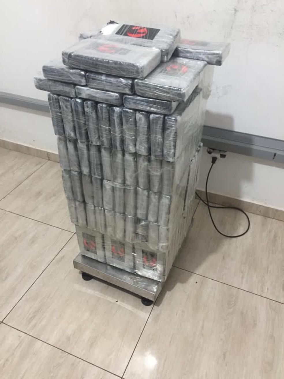 Mais de 130 quilos de cocaína foram apreendidos em Foz do Iguaçu — Foto: PF/Divulgação